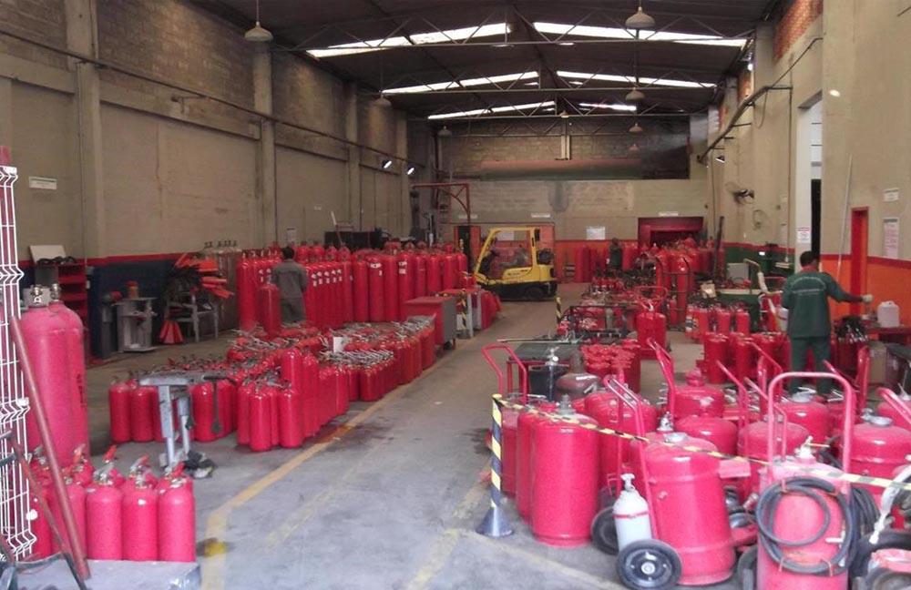 Inspeção, Manutenção, Recarga de extintores de incêndio